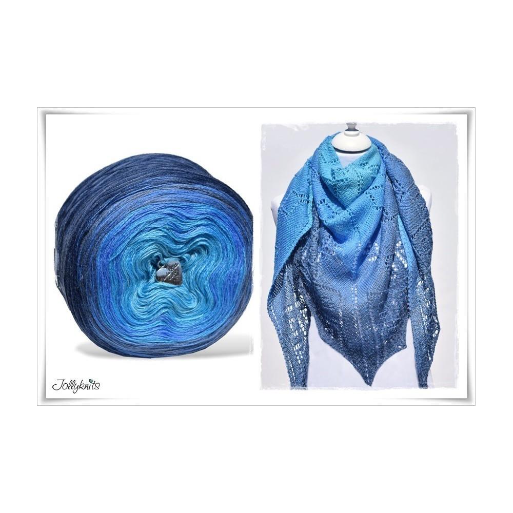 Product bundle Knitting pattern + Gradient Yarn Merino BLUE LAGOON