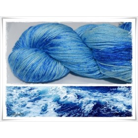 Gradient Yarn hand dyed SPOTTED BLUE