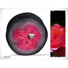 Gradient Yarn Merino  BLACK ROSE